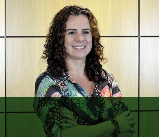 Elisa Leonel