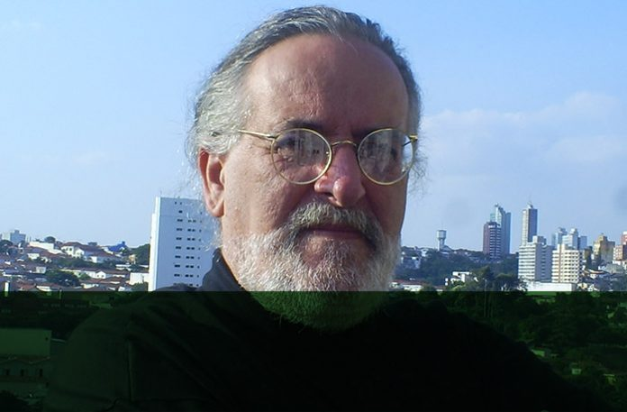 Claudir Franciatto, jornalista sênior, escritor e colaborador da ClienteSA