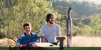 Tomás Abrahão (direita), CEO e fundador da Raízs, acompanha pequeno produtor