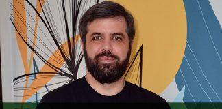 Vitor Simão, diretor regional da Medallia Brasil